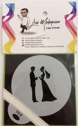 Stencil Casal de Noivos fazendo O Pedido