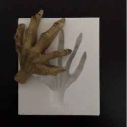 Molde de Silicone Mão de Zumbi - Halloween
